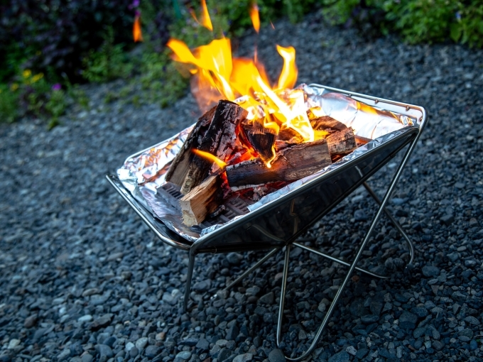 台 おしゃれ 焚き火